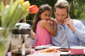 o-ON-PHONE-IGNORING-CHILD-570